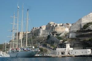 Bonifacio et son port. (Copyright Mas&Ratti)
