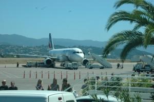 La hausse du nombre des usagers de l'avion entre la Corse et le continent se confirme. Ce sont néanmoins les compagnies low cost qui en bénéficient, plus que les compagnies régulières. (copyright Mas & Ratti)